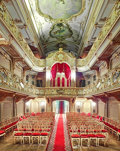 David Burdeny<br/> <i>Yusopf Theatre, Czar's Box, St Petersburg, RUS</i>, 2015